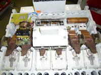 Машина для диффузионной сварки в вакууме деталей низковольтной аппаратуры